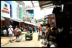 Ciudad-del-Este-Shopping-in-Paseo-San-Blas