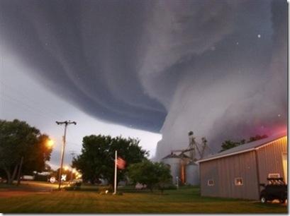 tornado-yahoo