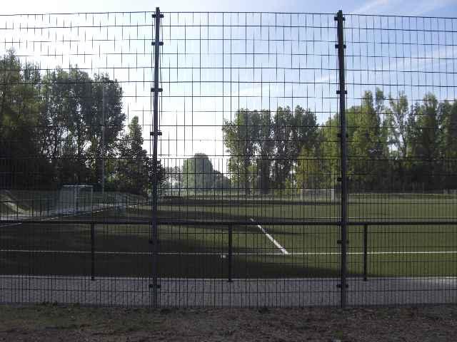 Sportplatz29040903.jpg