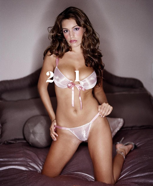 Kelly_Brook_Lingerie_