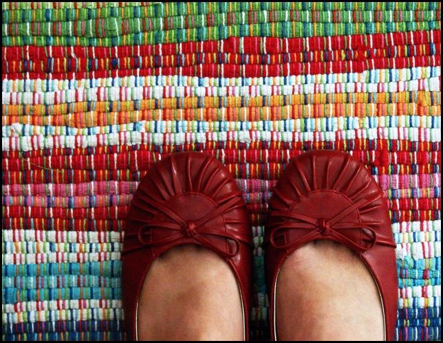 Feet_Rug