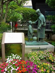 乃木神社に移設された像