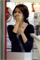 selena-gomez-old-navy-11