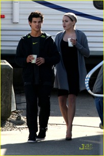 new-moon-cast-on-set-04