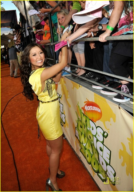 brenda-song-kids-choice-awards-03