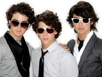 the-j-bros-the-jonas-brothers-758475_1024_7681