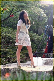 demi-lovato-again-video-shoot-01