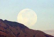 bulan diatas wilis