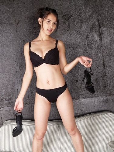 sexy-shoes, sexy-black-lingerie