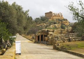 Sizilien bietet eine ereignisreiche Geschichte - Dies sieht man z.B. im Tal der Tempel bei Agrigento