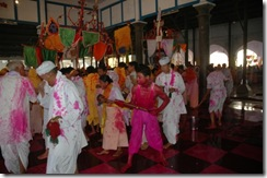 pichkari day in temple