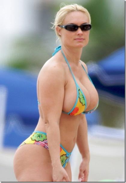nicole-coco-austin-bikini_007-630x945