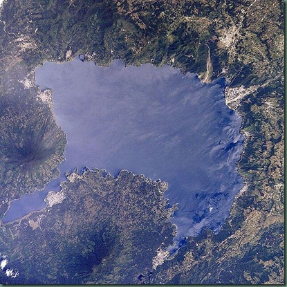 600px-Lago_de_Atitlan_seen_from_orbit