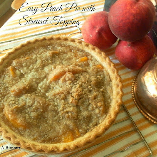 Easy Peach Pie with Streusel Topping