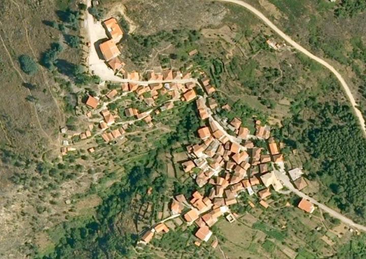 Vista aérea do Monte Frio em 2008