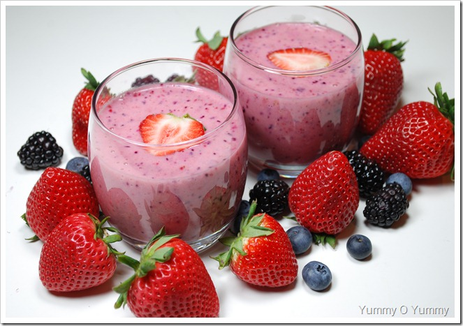 Banana and Berry Smoothie