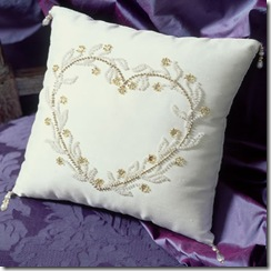 BRIDAL%20RING%20CUSHIONS%20HEARTS%20&%20FLOWERS[1]