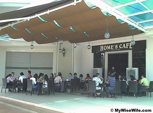 Lunch crowd at Home Cafe D Piazza Mall