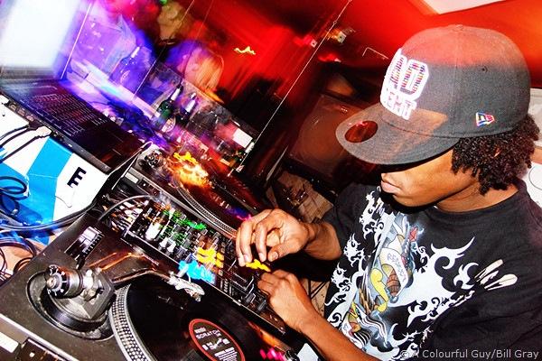 DJ Sega gettin' bizzy!