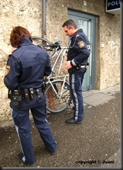 military_woman_austria_police_000050