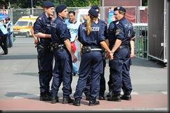 military_woman_austria_police_000007