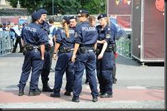 military_woman_austria_police_000010