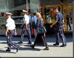 military_woman_austria_police_000030