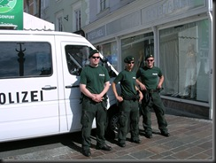 military_woman_austria_police_000035