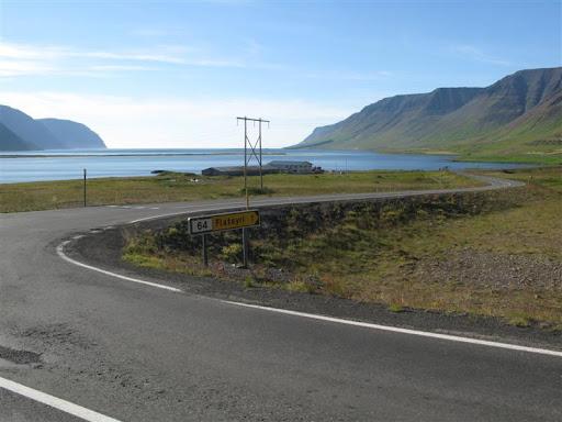 Horft út Önundarfjörð inn til Flateyrar