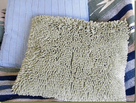 bathmat pillow2