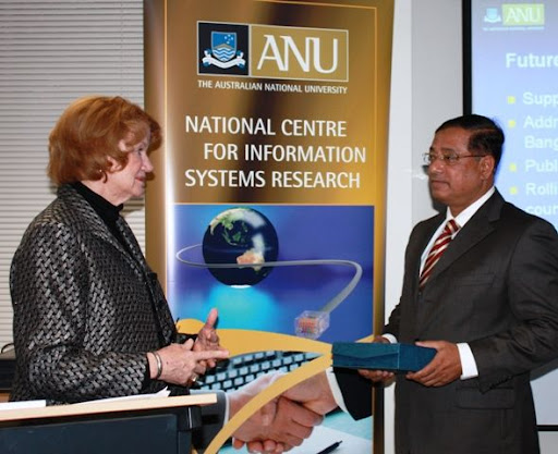 Professor Shirley Gregor and His Excellency HE Lt Gen Masud Uddin Chowdhury, The High Commissioner of Bangladesh. Photo by Obaidul Huqe
