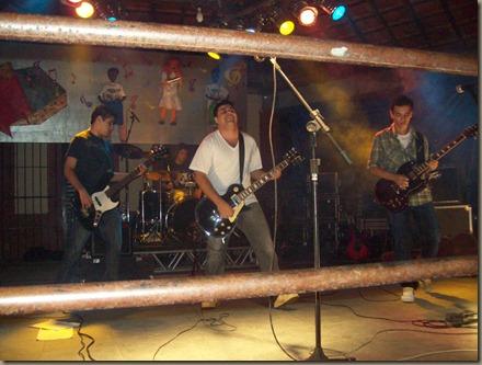 banda-tavulah-banda-cpm22-expo-quatis-2010-feira-da-roça- (10)
