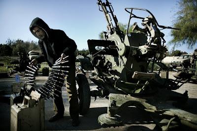 利比亚反抗武装获得援助