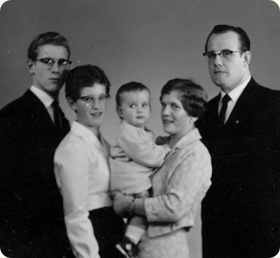 min mor og hendes forældre og søskende