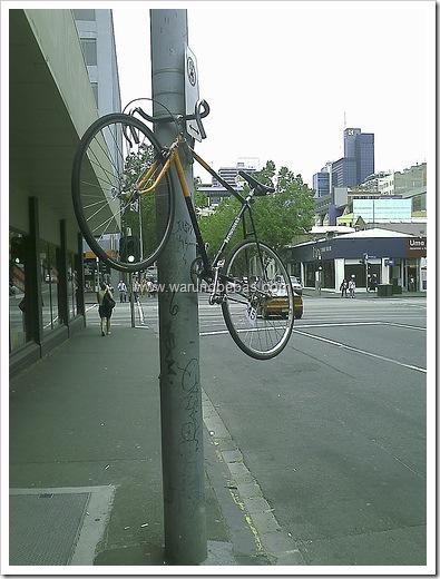parkir-sepeda-aneh