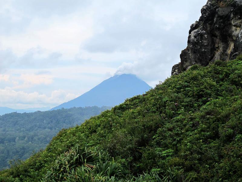 Соседний вулкан