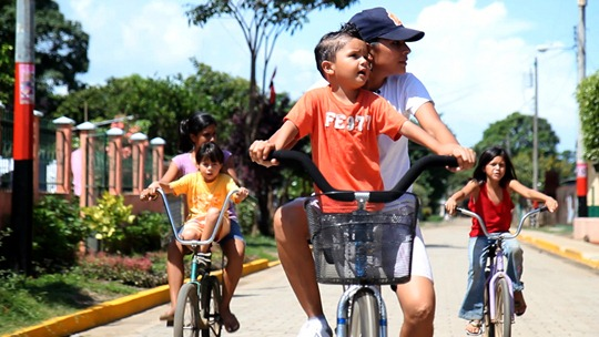 The Bicycle City film -Xxiomara and family