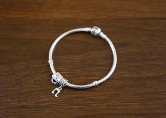 bracelet-2010-09-11-20-24.jpg