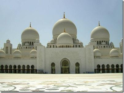 800px-Sheikh_Zayed,_Grand_Mosque,_Abu_Dhabi