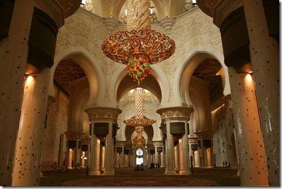 800px-Mezquita_Sheikh_Zayed-Abu_Dhabi3501