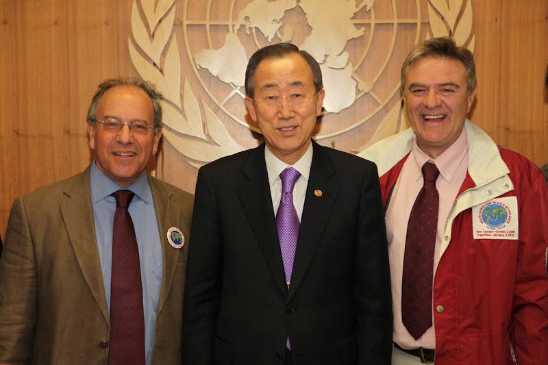 UN General Secretary Ban Ki-Moon with World March spokespersons, Tomas Hirsch and Rafalel de la Rubia.