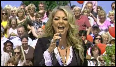 Sandra_feat_Thomas_Anders_-_The_Night_Is_Still_Young__ZDF_Fernsehgarten_10.05.20090013