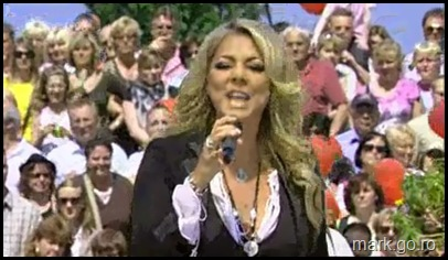 Sandra_feat_Thomas_Anders_-_The_Night_Is_Still_Young__ZDF_Fernsehgarten_10.05.20090070