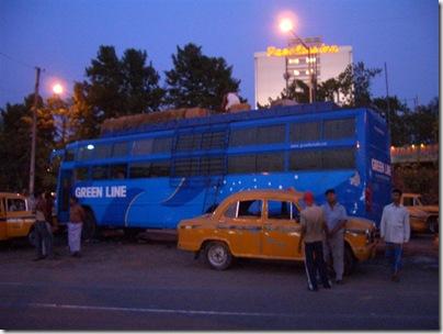 Автобус до Силигури. Кулькутта. Вечер