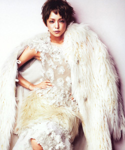 Namie rocks short hair in the September '10 issue of Ginza magazine | Photoshoot