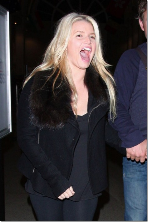 jessica-simpson-drunk-no-make-up-01
