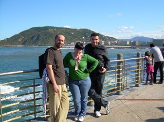 con Eli y Mario, Paseo Nuevo, San Sebastián