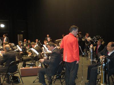 En el escenario antes del Concierto Santa Cecilia 2007 en el Teatro Municipal El Silo. Foto: Eva Ríos