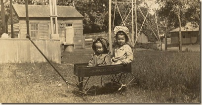 children two girls in darling vintage wagon (2)