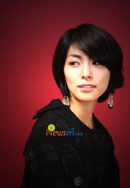 Kim Jung Hwa Cute short hairstyle 2009 - sexy Asian Kim Jung Hwa